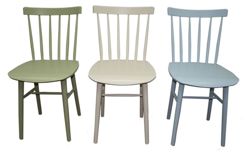 כסאות בילי צבעוניים