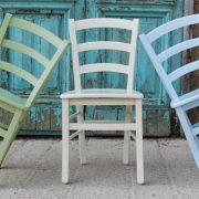 כסא קאנטרי צבעוני מעץ