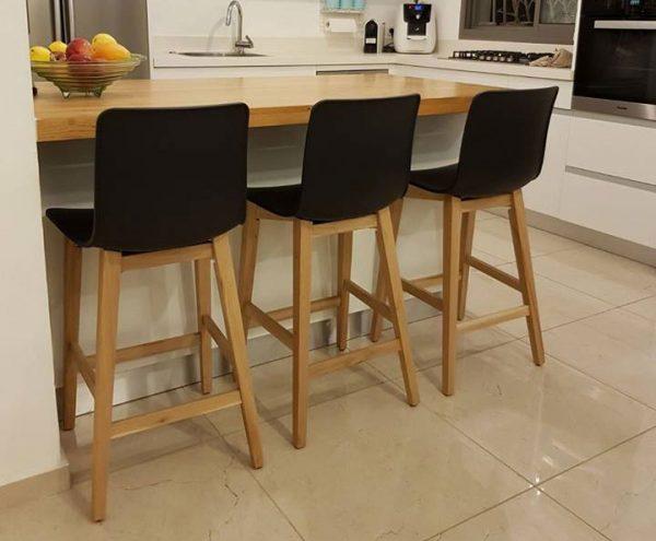 כסאות בר 1320 עץ עם פלסטיק