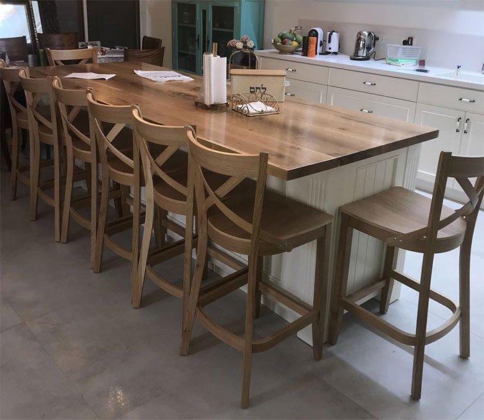כסאות בר מעוצבים מעץ