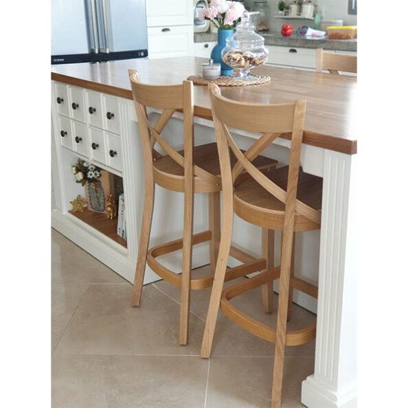 כסאות בר למטבח מעץ אלון