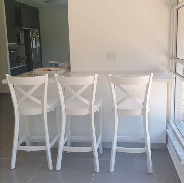 כסאות בר מעץ איקס