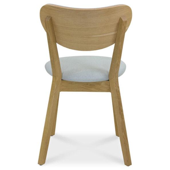 כסא אורית מאחורה